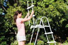 INTEX Sicherheits Leiter 107cm mit abnehmbaren Stufen 28072